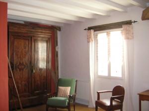 La Mirabelle - chambre rouge armoire